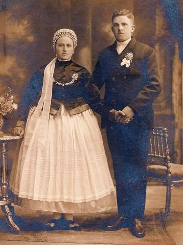 Fiatal házaspár Solymár