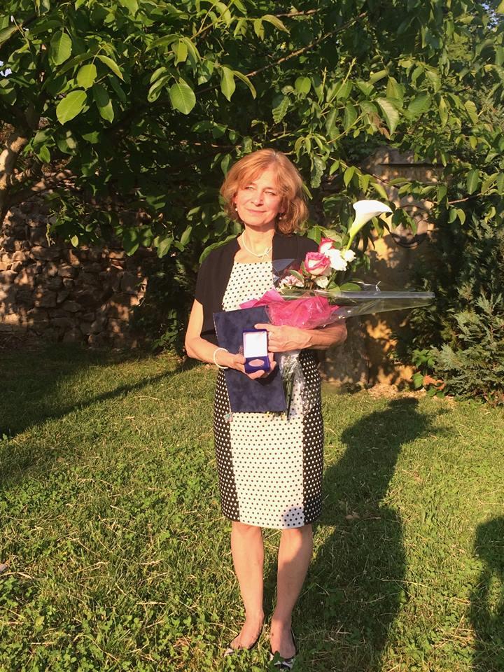Veres Mária Ildikó, a 2017. év Szatmári Emlékdíj díjazottja a köszöntés után