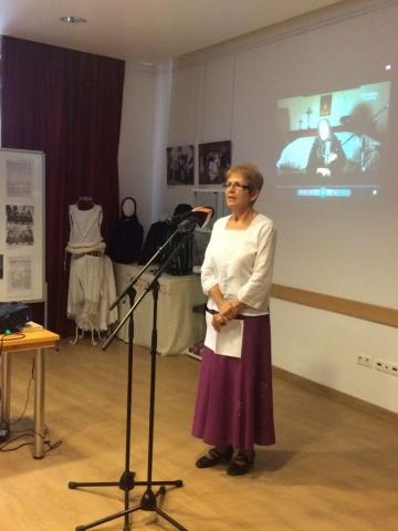 Dr. Sz. Tóth Judit néprajzkutató, Ferenczy Múzeum, Szentendre, a kiállítás szakmai lektora