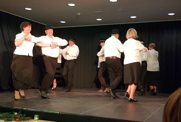 A Guba házaspár, Ibolya és István a tánc közben
