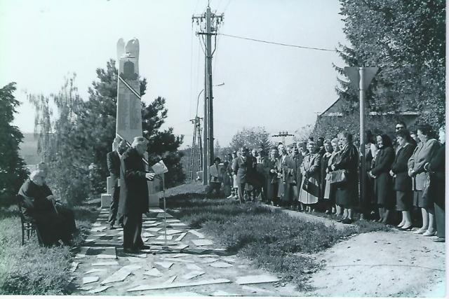 Mensáros László, Orbán György atya, Schmidt Imre 1990. október 23. Nagykovácsi, Csiha László fotó