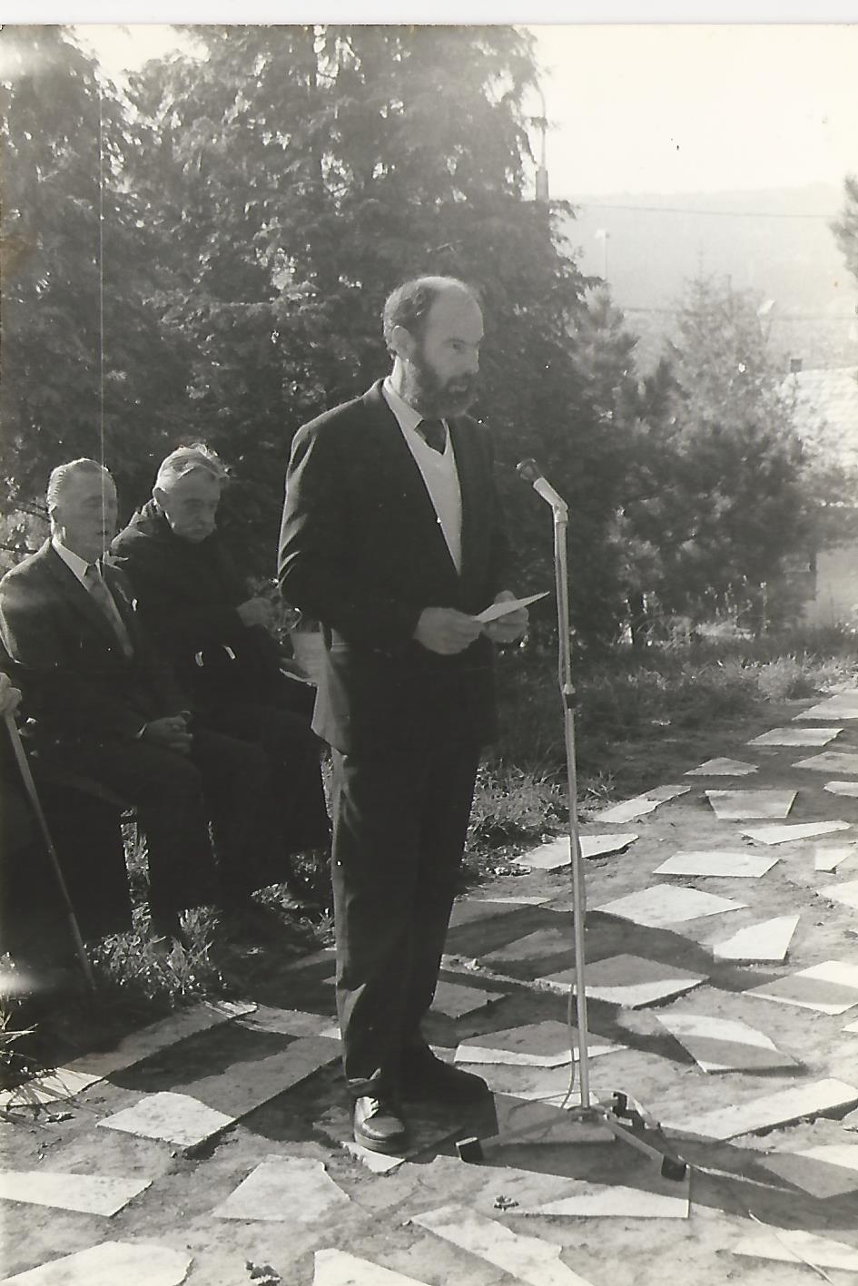 Telek József beszél 1990. október 23. Csiha László fotó