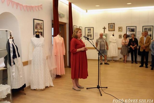 A kiállítás kurátora mutatja be a kiállítást