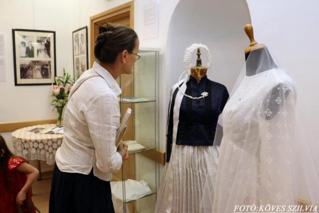 Milyen volt a sváb menyasszony fejéke