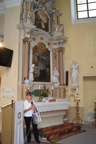 Réthy Mária a Nepomuki Szent János oltár előtt 2018. június 30.