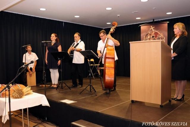 A zenekar Kutiné E. Tünde, Becze Gábor, Görgényi Gábor, Tegzes Endre