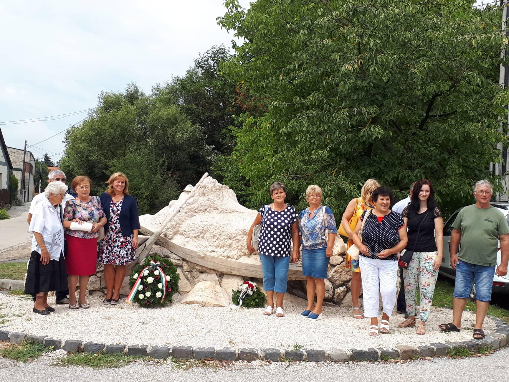 Az andódi delegáció egy része az Emlékműnél 2018.