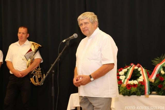 Kemenes Gábor atya imája az egykori bányászokért
